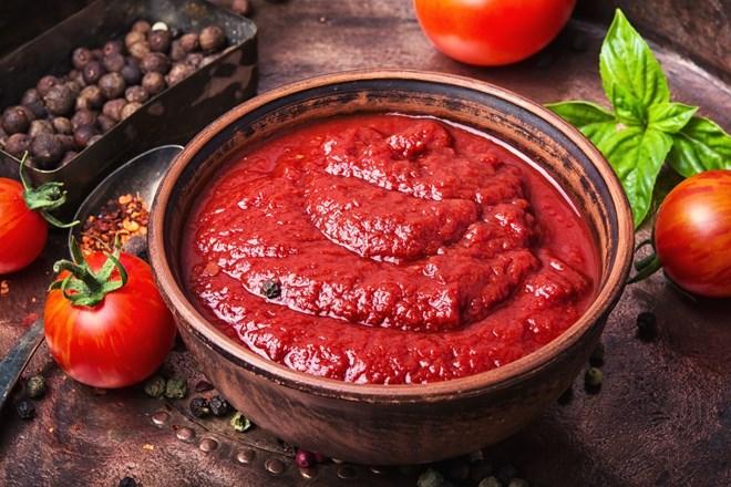 Máte přebytek rajčat? Co takhle si vyrobit výborný kečup!