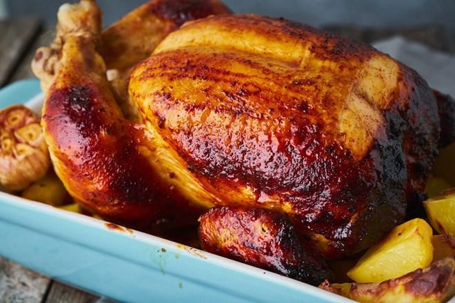 Pečené kuře z jednoho pekáčku