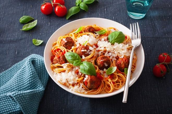 Vaříme s dětmi: Špagety a masové kuličky